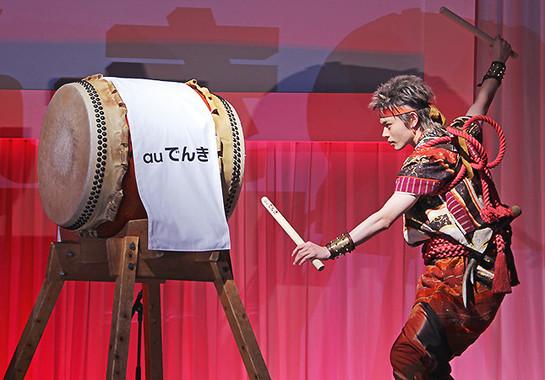 1月30日から放送されるテレビCMで、鬼ちゃんは和太鼓を叩く。発表会ではそのシーンが再現された