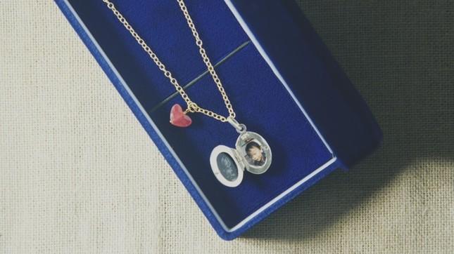 愛の言葉に加えてそれぞれ思い入れのあるプレゼントを用意