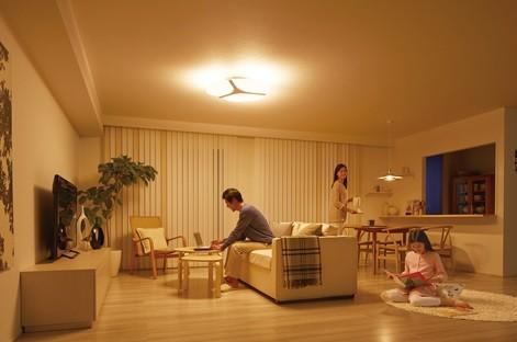 3枚の導光クリアパネルで、あかりを「照らし分け」(写真は、使用イメージ。3枚点灯時)