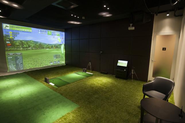 ライザップ ゴルフのレッスン風景のイメージ