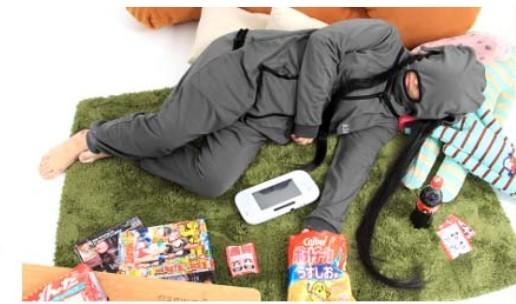 アイマスクを兼ねて睡眠時の顔の冷えや乾燥を防ぐ「寝落ちマスク」