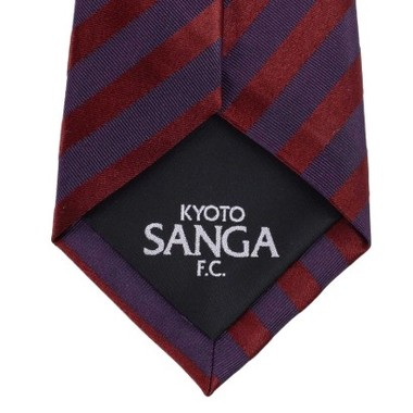 京都サンガのブランドマークを大剣に配した