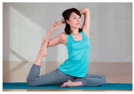 素肌に直接着用することで、肌を健やかに保ち、肌荒れを防ぎ、ハリ、ツヤ、潤いを与える