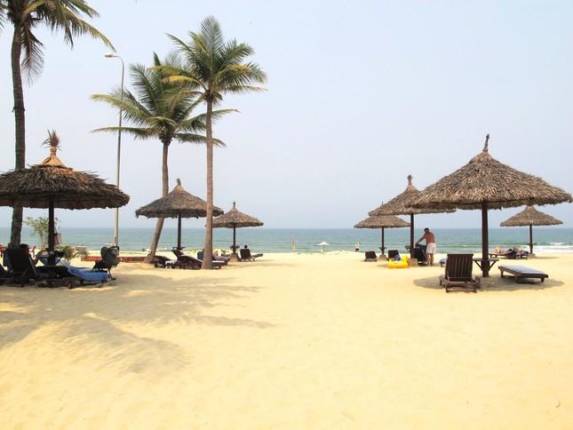 白い砂浜が美しいダナンのビーチ(写真は「フラマ リゾート ダナン」のプライベートビーチ)