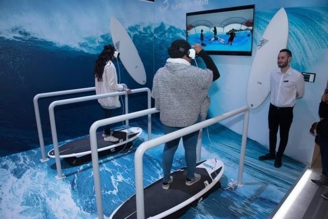 Gear VRブースでは、4K機材と連動した本格的バーチャルリアリティが体感できる