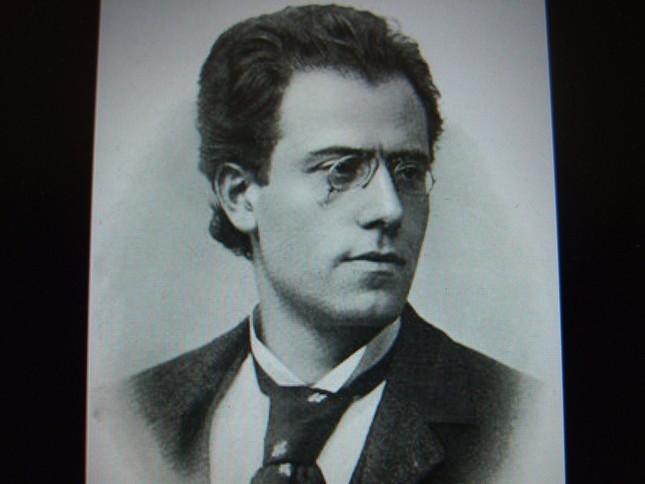 比較的若いころのマーラーの肖像