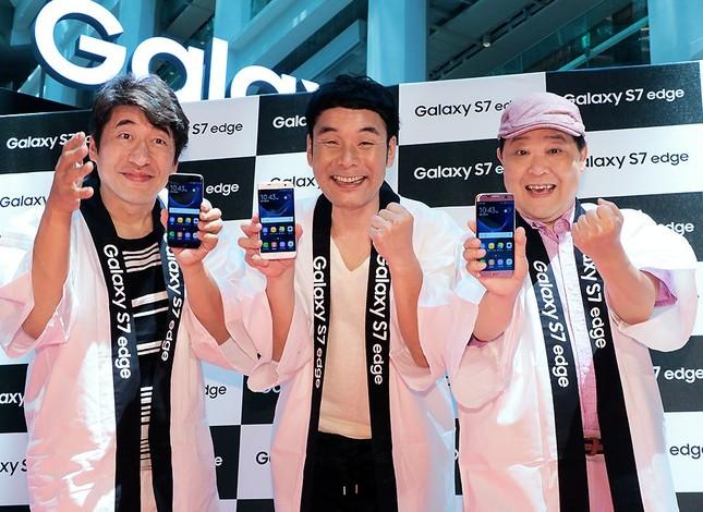 「Galaxy Studio」のオープニングイベントに出演したダチョウ倶楽部の3人