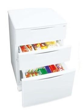 フリーザーの庫内温度を収納する食材にあわせて切り替えられる!