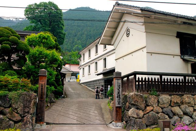 小澤酒造の正門