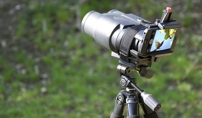 顕微鏡から天体までスマホで撮影可能に