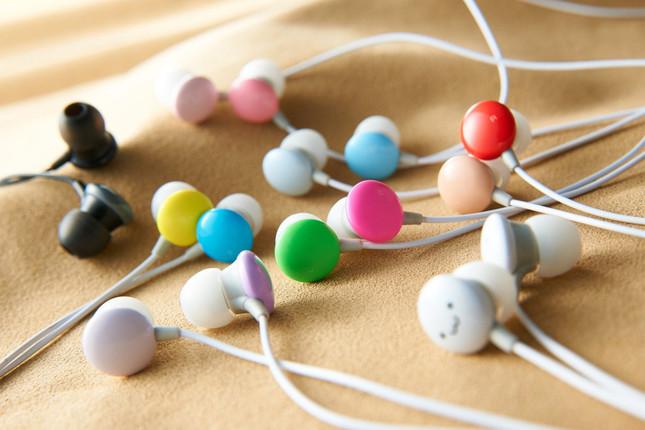 コンパクトながら幅広い音域実現の「Colors」