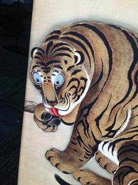 近くで見ると、虎の毛並まで立体に再現されているのがわかる