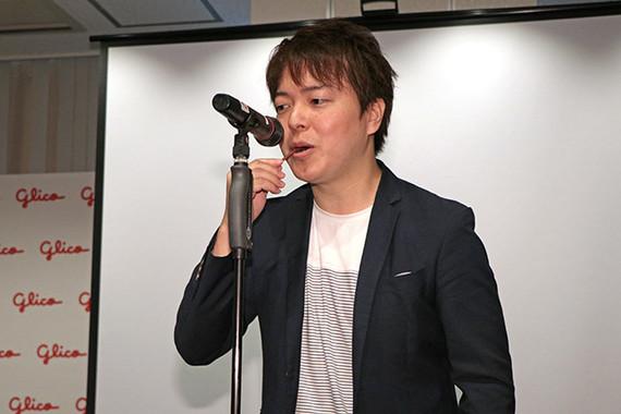 男性代表として、江崎グリコの昆洋行さんがポッキーによる演奏を披露