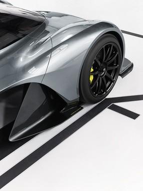 アストンマーティンとレッドブル・レーシングが発表した革新的なハイパーカー、コードネーム「AM-RB001」