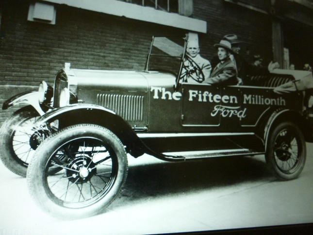 T型フォード、これは生産一千五百万台目