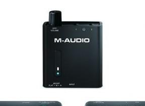 携帯プレーヤーやスマホ、PCに接続して豊かな音量・低音再生 ポータブル・ヘッドホンアンプ「Bass Traveler」