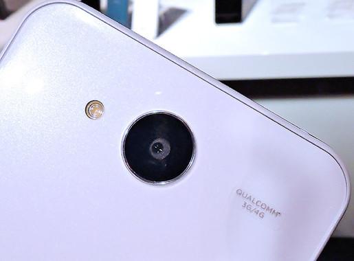 メインカメラは約1310万画素