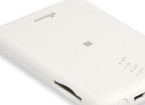 SDカードやUSBストレージとスマホ/タブレットがワイヤレスでつながるカードリーダー、ラトックから