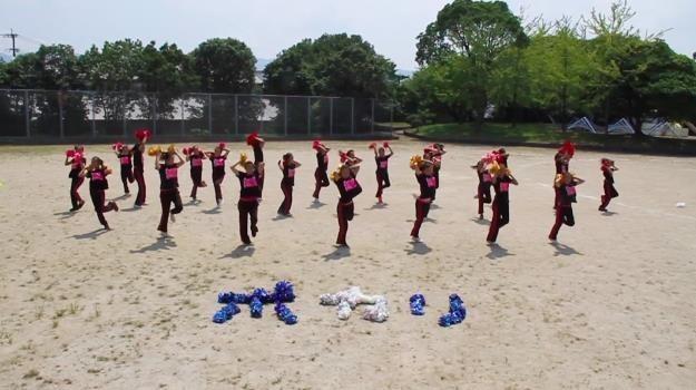 「ポカリガチダンス選手権」に優勝した「DoubleD」のダンス動画カット画像
