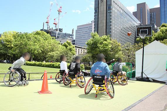 車椅子バスケットボール体験会の様子