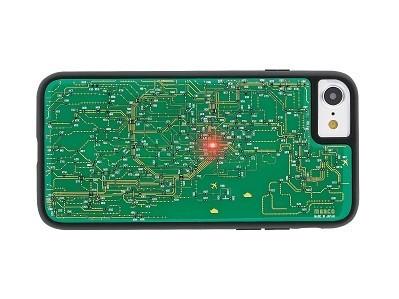 iPhone 7が電子基板の機能美を身に纏う