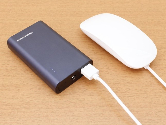 USB充電器やモバイルバッテリーなどから給電して使用