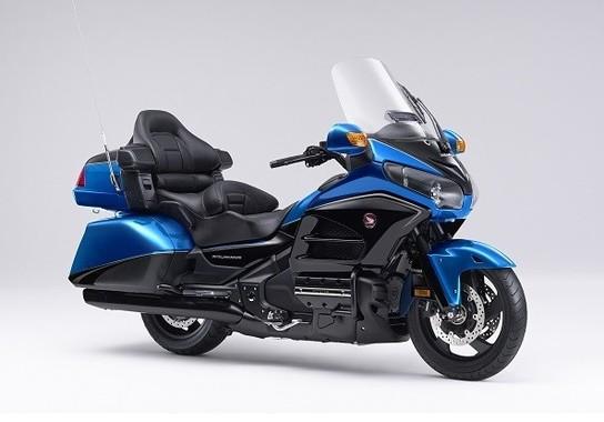 軽快感と爽快感を表現した鮮やかなブルーの新色
