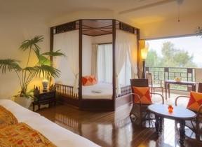 沖縄・西表島のリゾートホテルで過ごし楽しむ神秘的な森のイルミネーション