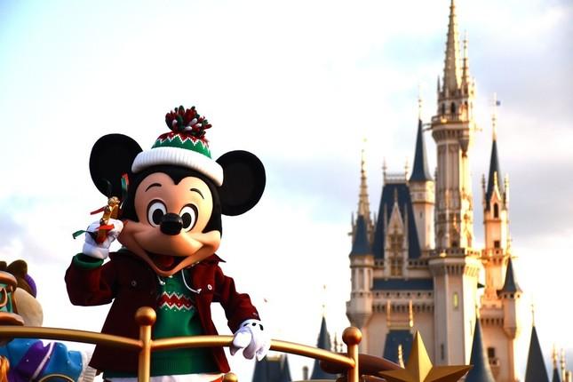 東京ディズニーランド「クリスマス・ファンタジー」のパレード「ディズニー・クリスマス・ストーリーズ」のミッキーマウス