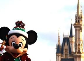 ディズニー「クリスマス」モード、オン! ミッキーの「ウィッシュ」をサンタがかなえる