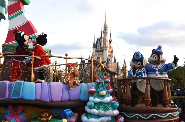 東京ディズニーランド「クリスマス・ファンタジー」のパレード「ディズニー・クリスマス・ストーリーズ」第4話「ミッキーマウスが友だちと過ごす楽しいクリスマス」