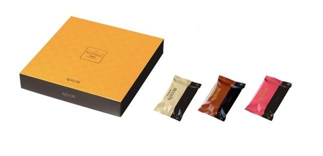 ラスクにチョコレートをコーティングし、ホワイト、ショコラ、ストロベリーの3種類の味わい