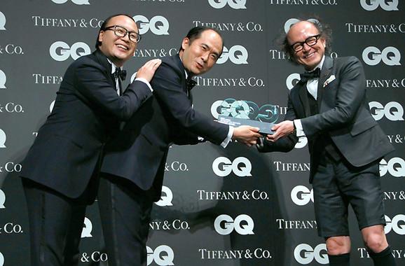 (写真左から)トレンディエンジェルのたかしさん、斎藤司さん、「GQ JAPAN」の鈴木正文編集長