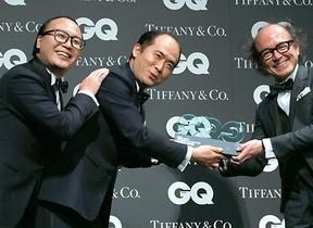 トレンディエンジェルは3人組だった!? 「GQ JAPAN」表彰式で奇跡のイリュージョン
