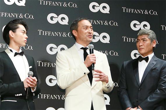 渡辺謙さん(写真中央)の発言を、尊敬の目で見つめる菅田さんと吉川さん