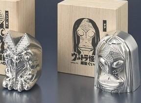バルタン星人&ダダが「酒器」に変身 「ウルトラ怪獣 錫製ぐいのみ」 プレミアムバンダイから