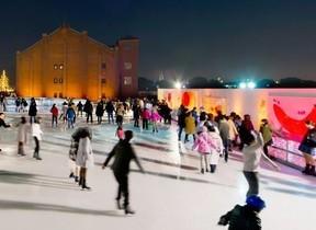 【観光スポットの定番】横浜・赤レンガ倉庫にスケート場「アートリンク」今冬もオープン