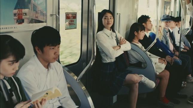 ドヤ顔を浮かべているのは安達葵紬さん(17)