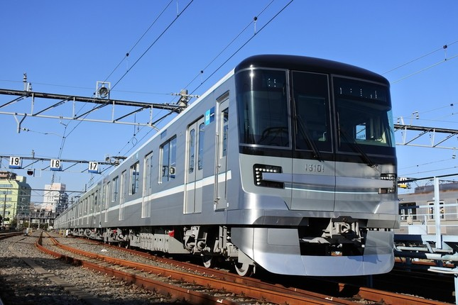 東京メトロ日比谷線の新型車両13000系