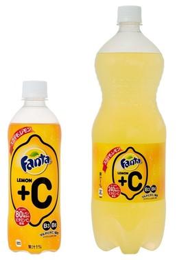 490mlペットボトル(左)と1.5Lペットボトル