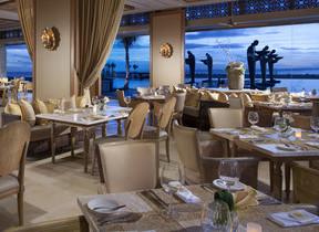 インドネシア・バリ島の最高級リゾートにある「ソレイユ」、世界のベストレストランに選ばれる