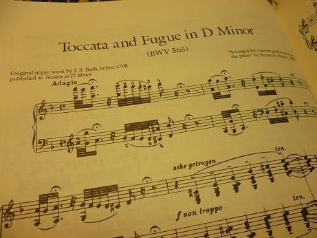 大変有名なトッカータの冒頭部分の楽譜(ブゾーニによるピアノ編曲版)