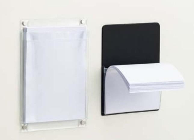 深型ポケットで紙が重みで前に垂れ下がりにくい