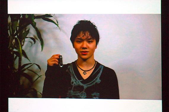 説明会の冒頭、男子フィギュアスケートの宇野昌磨選手による推薦メッセージの映像が流された