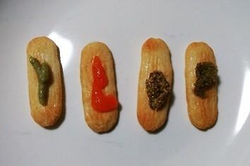 左からわさび、もみじおろし、粒マスタード、レモン胡椒