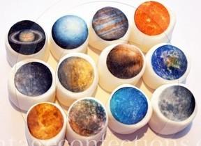 まるでアート「惑星マシュマロ」 ヴィレヴァンオンラインストアで数量限定発売