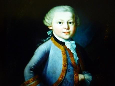 大礼服を着た少年モーツァルト