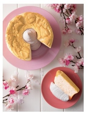さくらの風味を感じられる生地とホイップクリーム