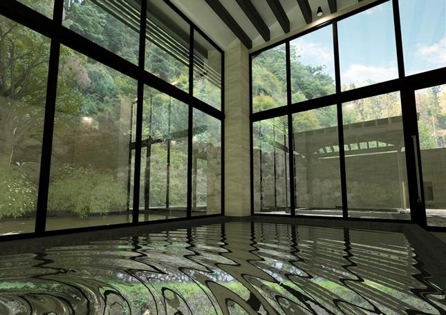 ヒノキ林に囲まれた露天風呂を館内大浴場に併設