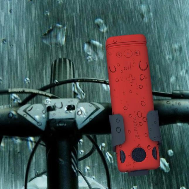 急な雨やほこりから保護するIP4相当の生活防水性能